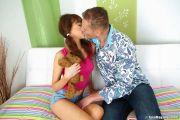 Секс с юной девушкой